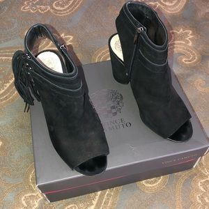 VINCE CAMUTO Ankle Booties